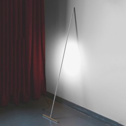 T-Light Lean Floor Lamp - Oak