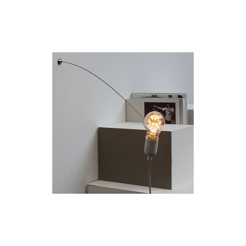 MVOS Wall-Mounted White Steel Lamp