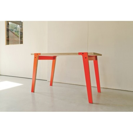 rform Switch Birch Plywood Oiled Table