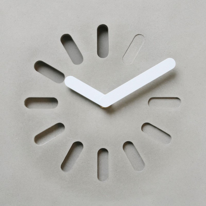 Lyon Beton Life In Progress Clock