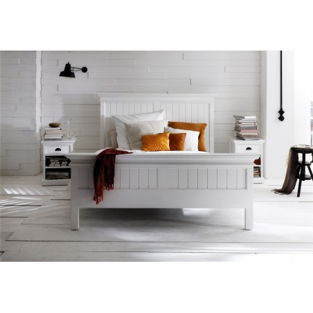 Viborg Painted Mahogany Queen Size Bed