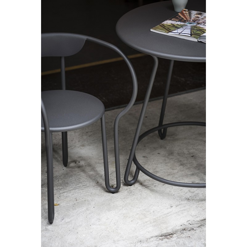 Skyline Design Huggy Outdoor Round Dining Table