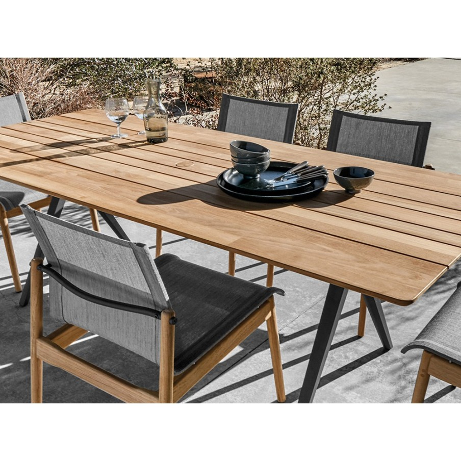 Gloster Outdoor Dining Table | Split Teak