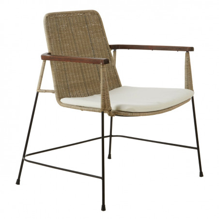 Kubu Rattan Lounge Chair With Metal Legs