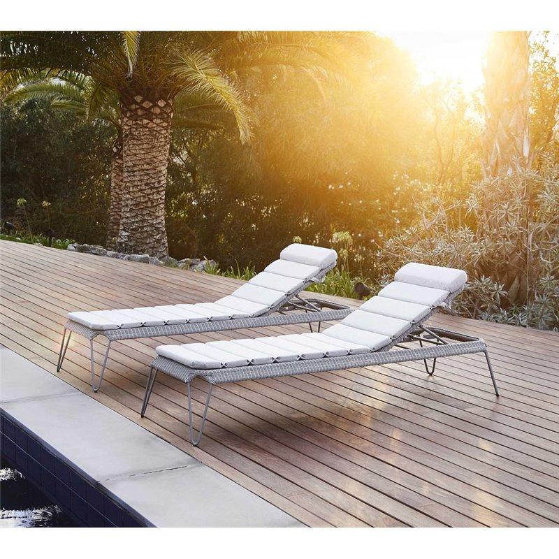 Cane-Line Breeze Outdoor Sunbed in Light Grey