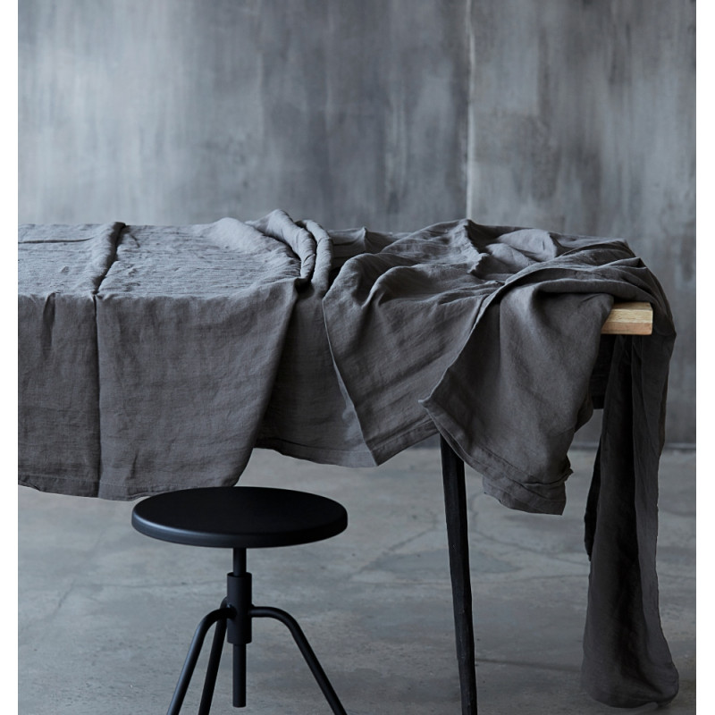 House Doctor By Linen Tablecloch 330 CM x 140 CM
