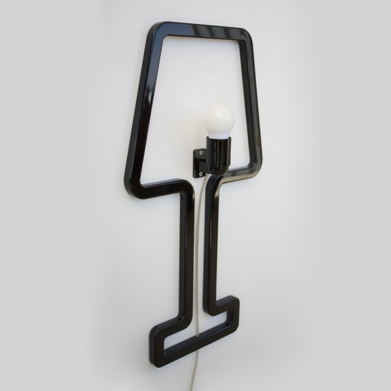 Colored SHAPE Wall Lamp - Black